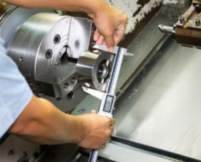 机械零件加工中的工件表面质量包含了哪些内容?